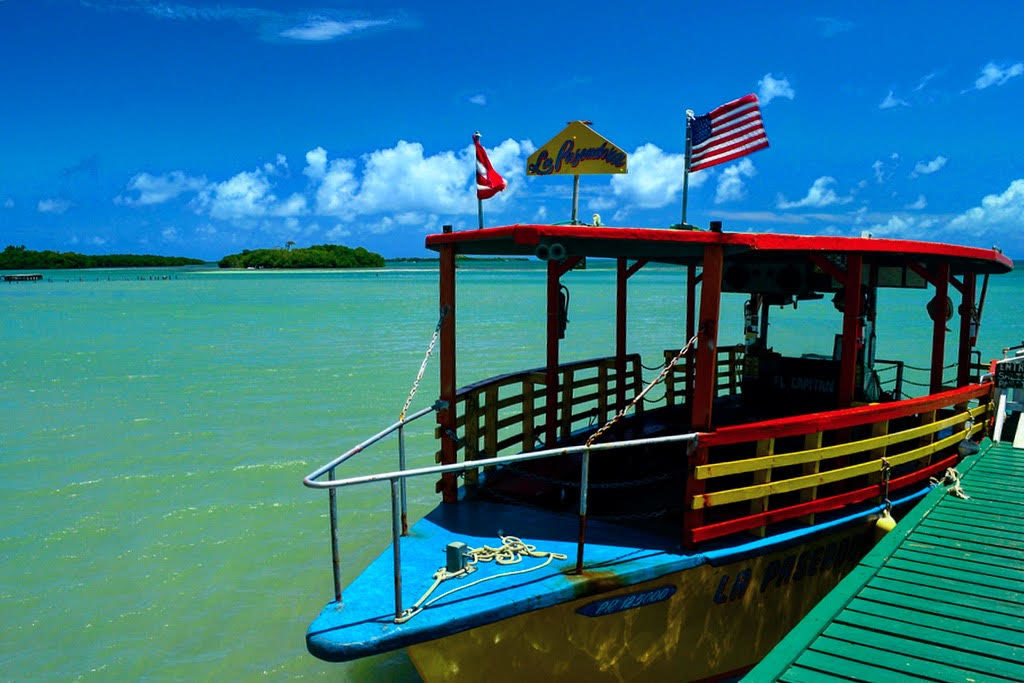 Embarcación La Paseadora te transporta hasta el Cayo